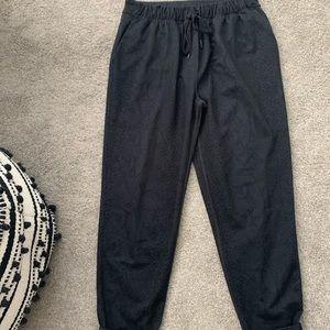 Lululemon Athletica jet crop pants